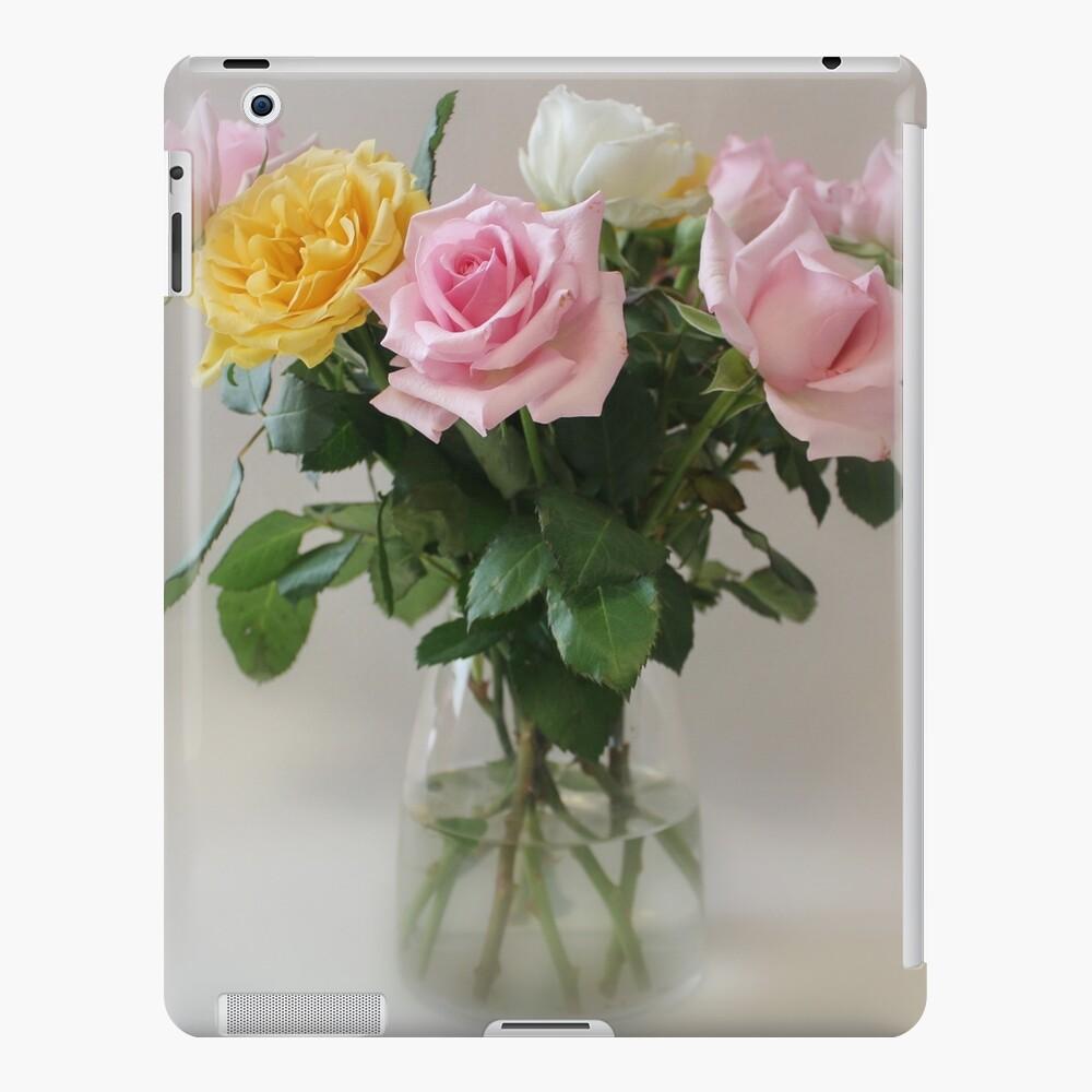 Still Life Roses iPad-Hülle & Skin