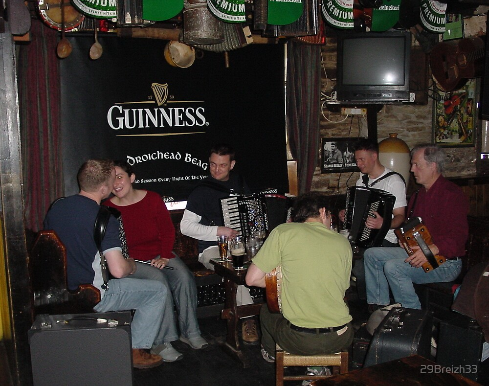 Afternoon music in a Dingle Pub  by 29Breizh33