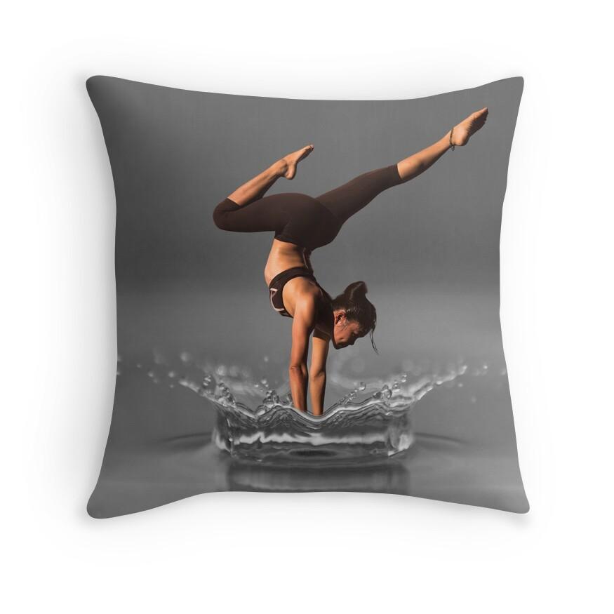 Splash Dancer - Yoga Black and White