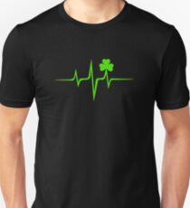 Camiseta unisex Música Pulsera irlandés, frecuencia, onda, latido del corazón, trébol