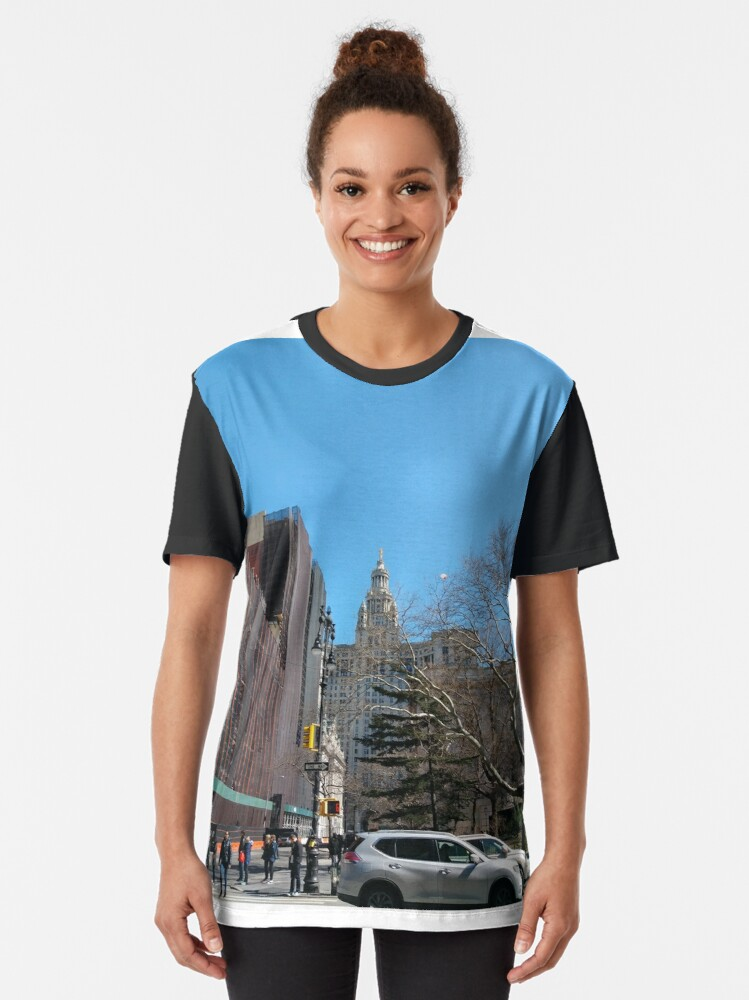 Alternate view of New York City, New York, Brooklyn, Manhattan, building, house, skyscraper Graphic T-Shirt