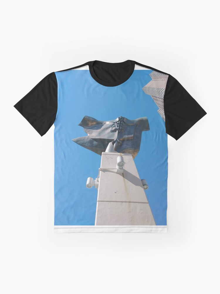 Alternate view of New York City, New York, Brooklyn, Manhattan, building, house, skyscraper, Street View, street, cars Graphic T-Shirt