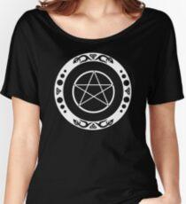 Pentagramm mit trinity Symbol. Loose Fit T-Shirt