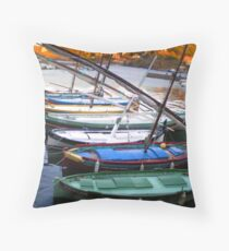 barque catalane Throw Pillow