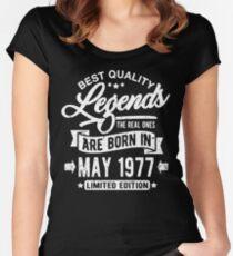 Camiseta entallada de cuello redondo Legends born in may 1977