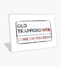 """Man United """"Come on you reds"""" street sign - Man United wall art - Man United posters - Man United accessories Laptop Skin"""