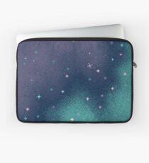 Flieder und Aqua Pixel Galaxy Laptoptasche