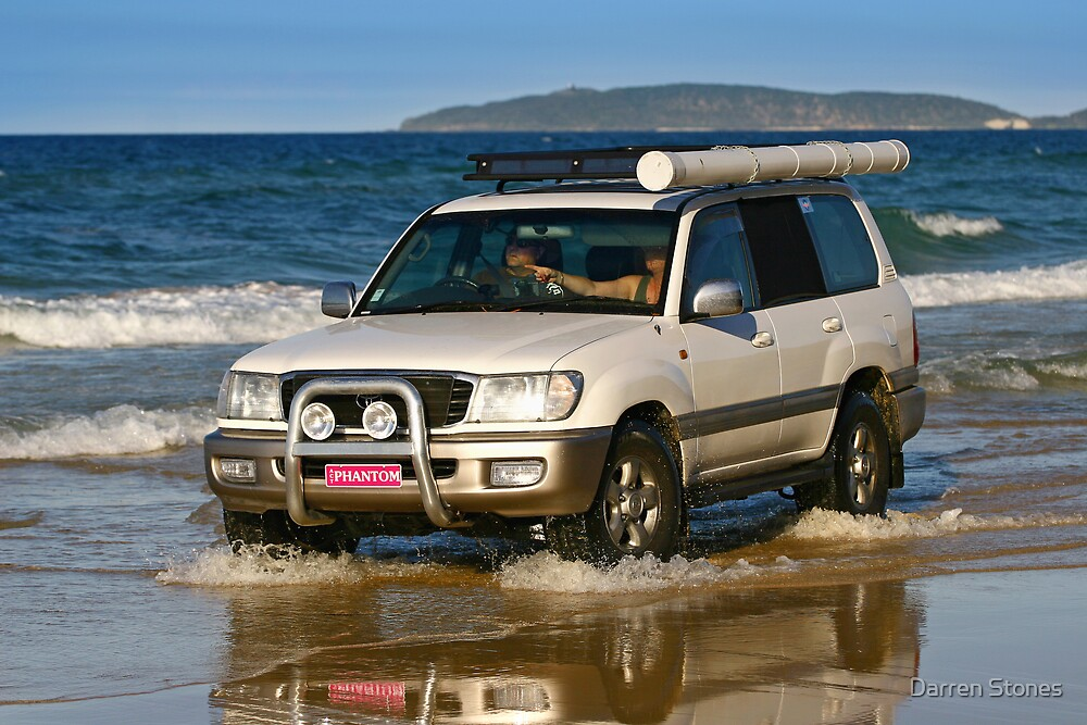 Four-wheel driving on Rainbow Beach by Darren Stones