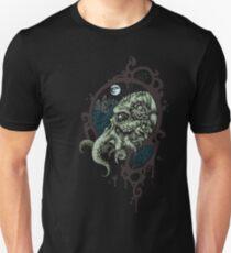 Cthulhu Rises! T-Shirt