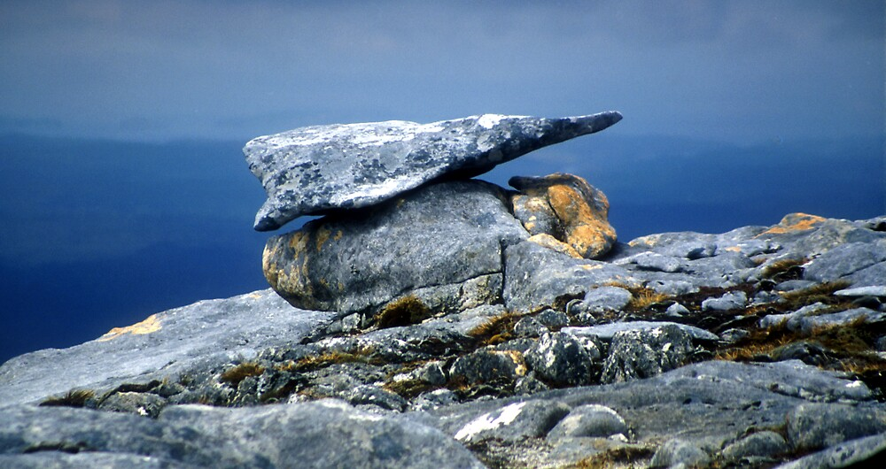 Rock Formation on Table Hill by Les Pullen