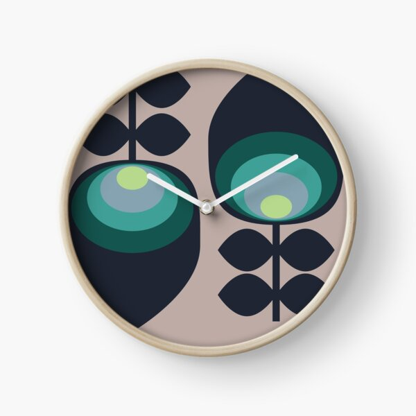 Hoodwinked Clock
