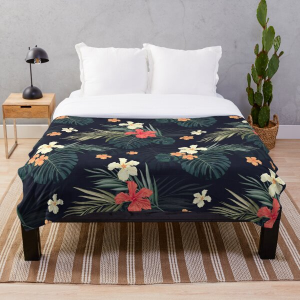 Dark tropical flowers Throw Blanket
