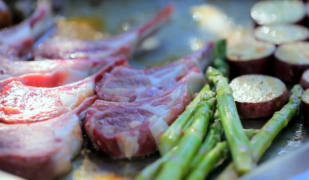 Meat and Asparagus by zhirobas