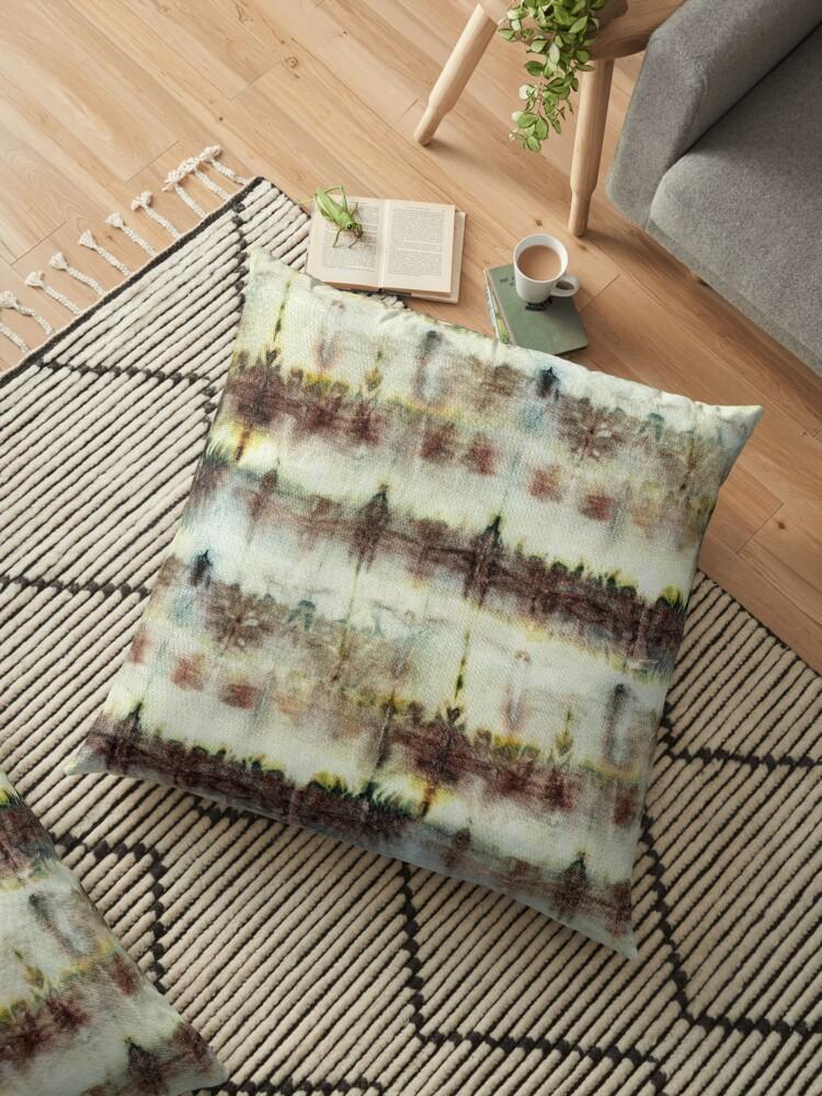 Seamless tie-dye pattern on white silk.  Shibori dyeing. by lamarmarina