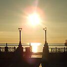 Gekippter Sonnenaufgang von Aoife McNulty