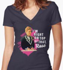 Camiseta entallada de cuello en V Estoy justo encima de esa rosa