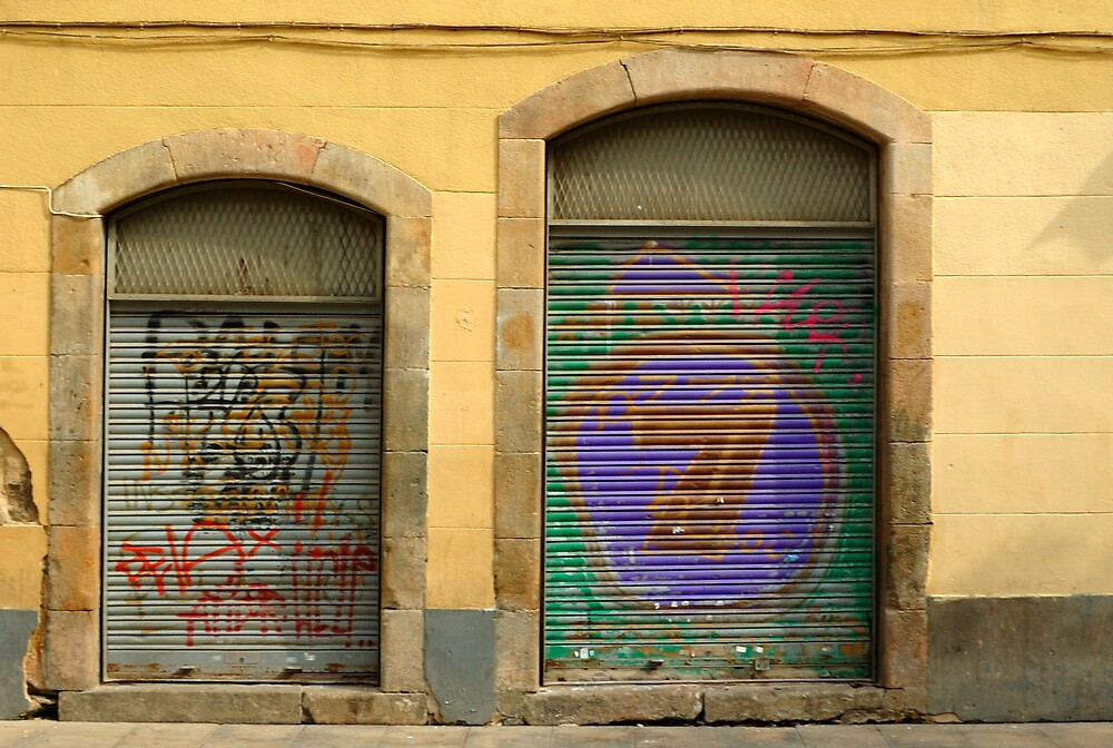 Barcelona Doors by fauselr