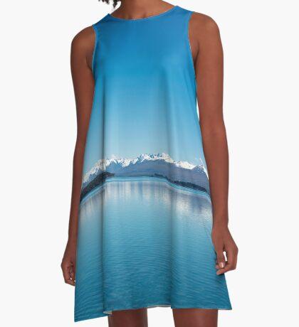 Blaue Linie Landschaft A-Linien Kleid