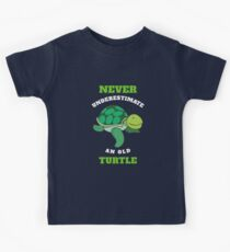 Never underestimate a old turtle Kids Tee