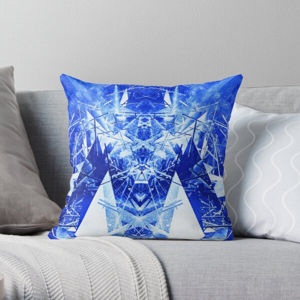Structured chaos kaleida \3 Throw Pillow