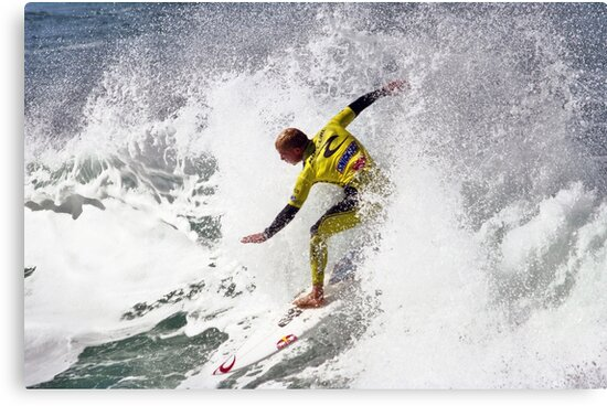 Mick Fanning in 2009 Rip Curl Pro, Bells Beach (4) by Andy Berry