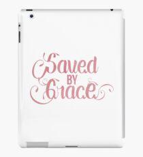 Vinilo o funda para iPad Cita cristiana - Guardado por gracia - Acuarela femenina rosada