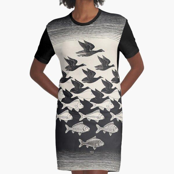 Himmel und Wasser I - Maurits Cornelis Escher T-Shirt Kleid