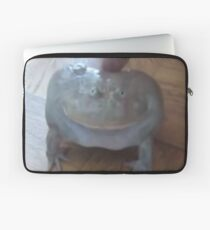 low quality screaming frog Laptop Sleeve