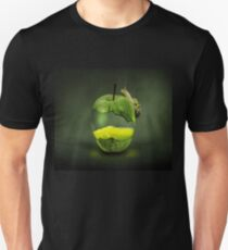 Apple illustration design style Unisex T-Shirt