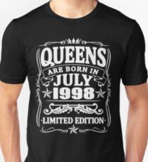 Camiseta unisex Queens are born in july 1998