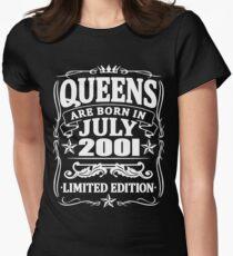 Camiseta entallada para mujer Queens are born in july 2001