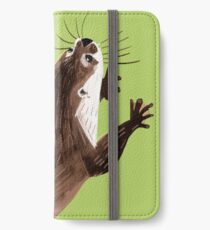 Otters : Asian small-clawed otter (Green) Funda o vinilo para iPhone
