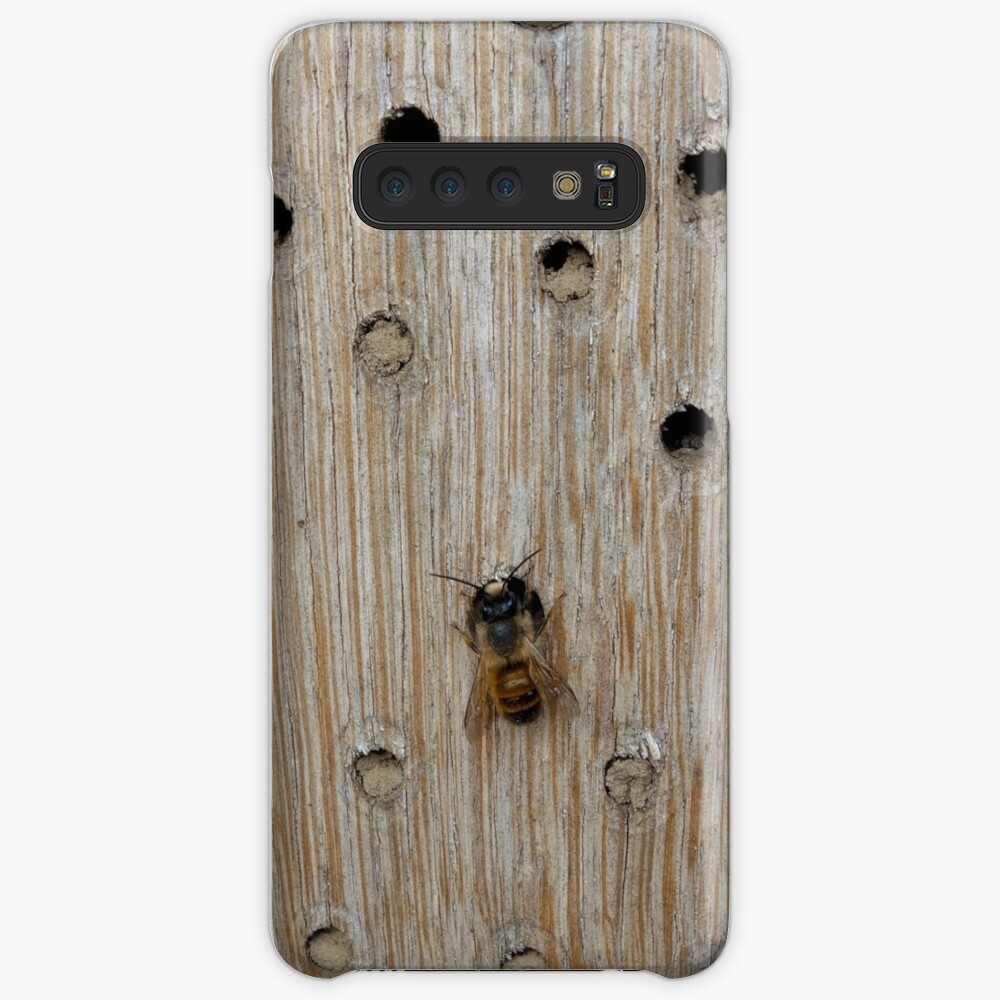 Solitary Bee Case & Skin for Samsung Galaxy