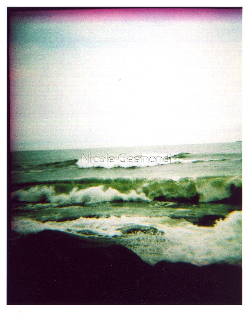 Bonnet Waves by Nicole Gesmondi