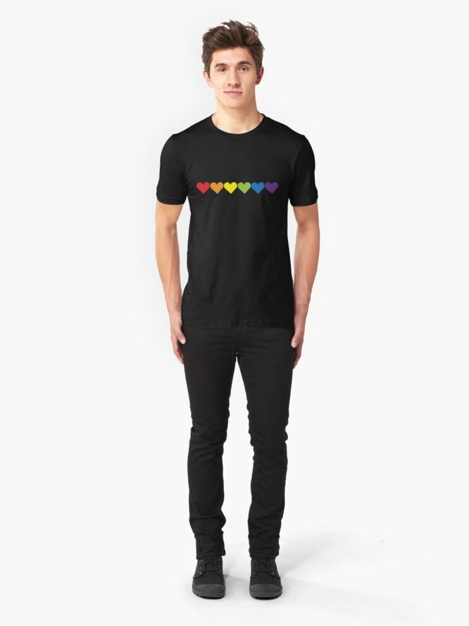 Vista alternativa de Camiseta ajustada Corazones de orgullo