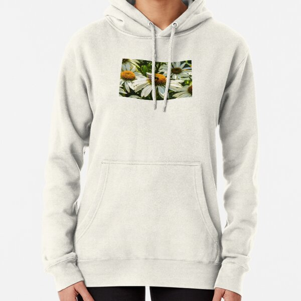 BEE ON WHITE CONE DAISY Pullover Hoodie