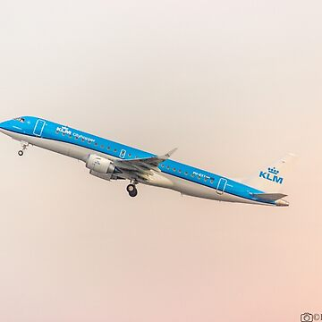 KLM EMBRAER by robertbiraus