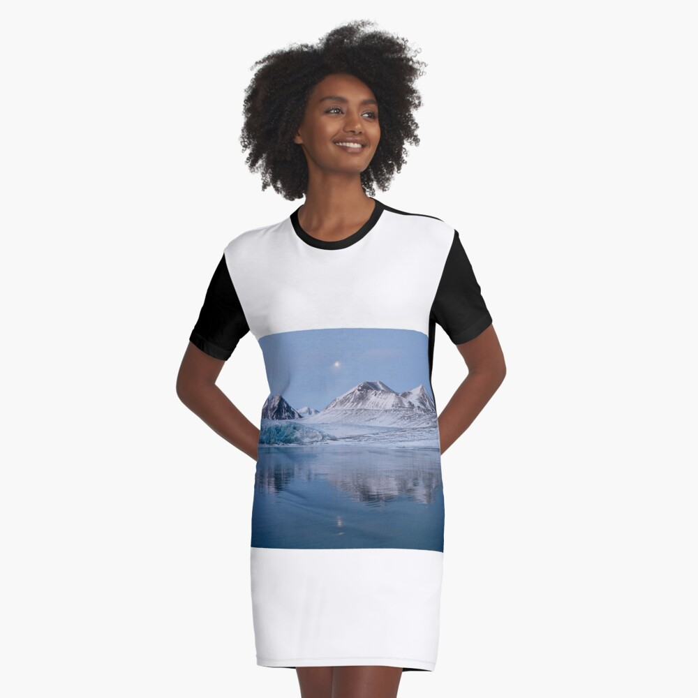 Mountain reflection Graphic T-Shirt Dress Front