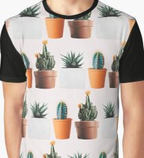 Cactus pattern on pink background Graphic T-Shirt