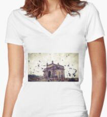 Gateway of India Women's Fitted V-Neck T-Shirt