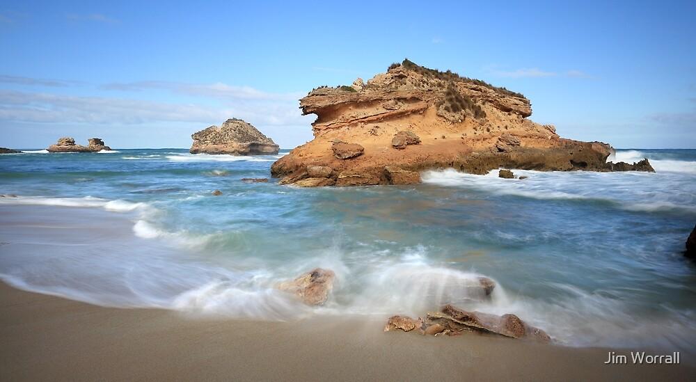 Crocodile Rock - Bay of Islands by Jim Worrall