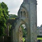 Glastonbury Arches by lezvee