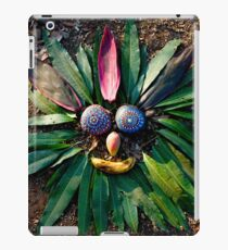 Chief Rock Face - Jungle Rock Art in Costa Rica iPad Case/Skin