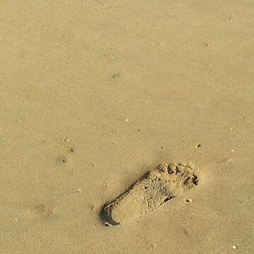 Footprint in the sand by Elefje