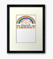 Buchen Sie es in Ihrer lokalen Bibliothek Gerahmtes Wandbild