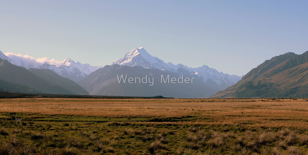 Mount Cook at Sunset by Wendy  Meder