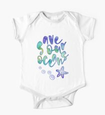 Save The Oceans, Calligraphy / Typography. Watercolor Illustration. Baby Body Kurzarm