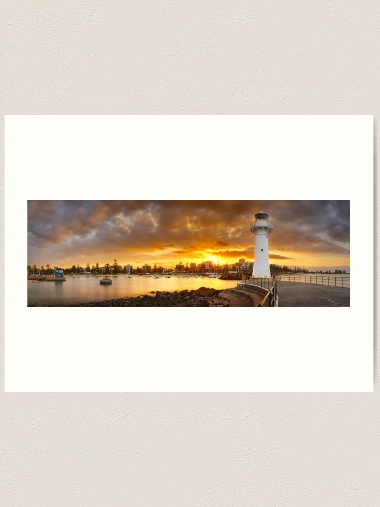 Alternate view of Wollongong Breakwater Lighthouse, New South Wales, Australia Art Print
