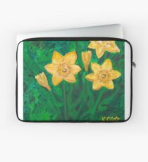 Daffodils at Dark Laptop Sleeve