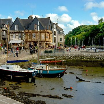 Port of St Goustan at Low Tide - Brittany, France by Buckwhite